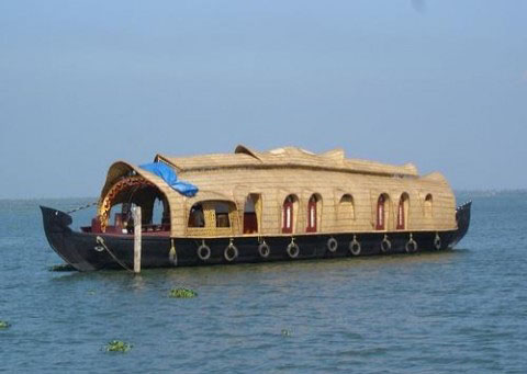 kerala heritages,kerala monsoon,kerala tourism,kerala travel ,houseboat tourism
